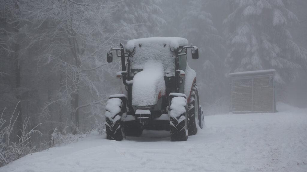 como-cuidar-el-tractor-en-epoca-de-frio-1920