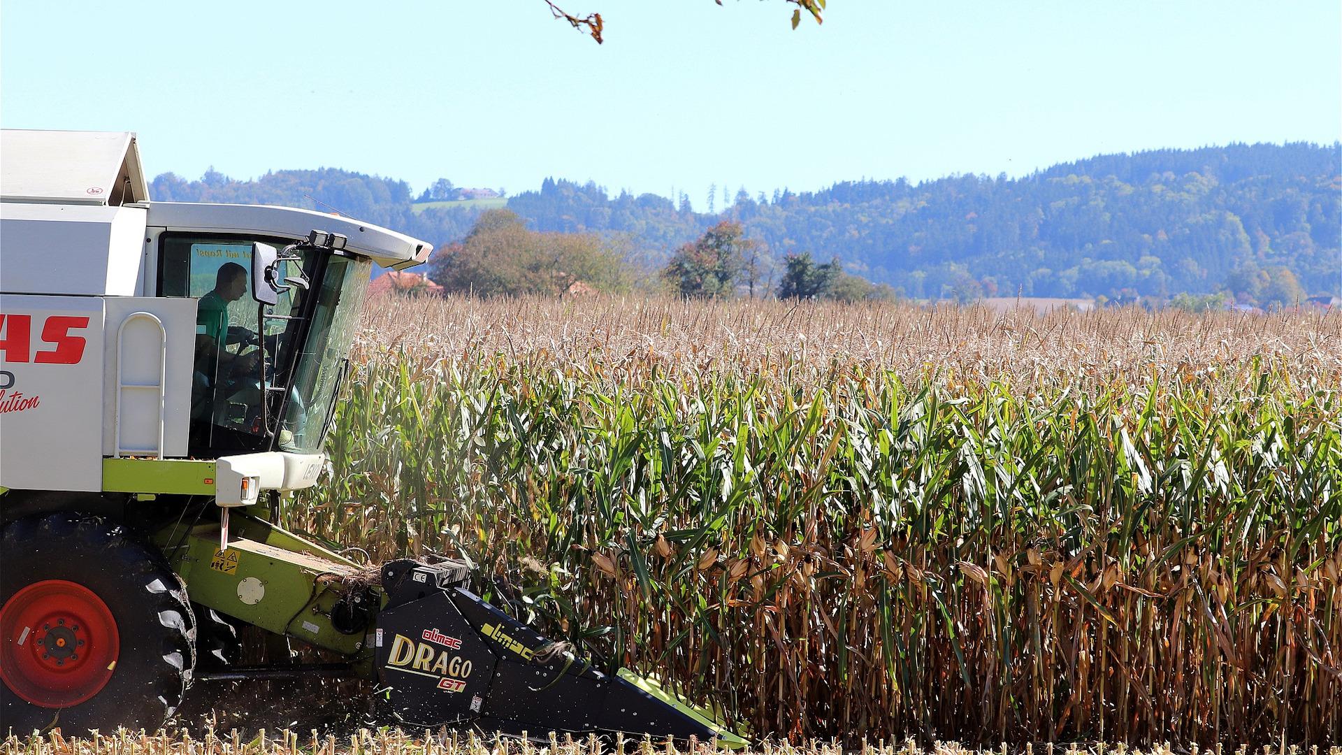 ayudas-de-la-xunta-para-fomentar-el-uso-de-maquinaria-agricola-en-regimen-asociativo-1920
